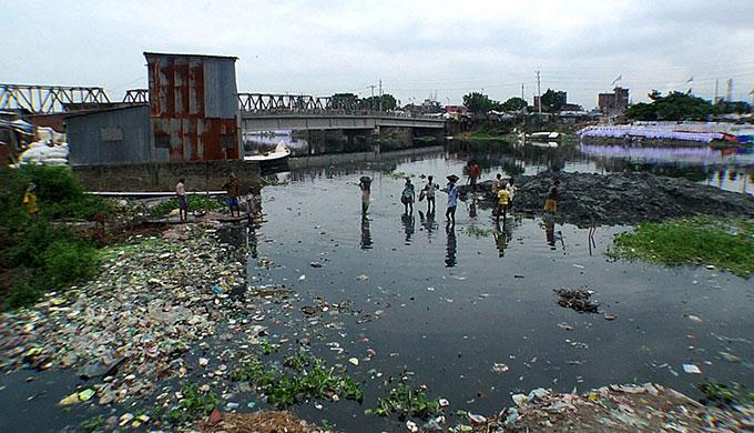 Trash in Dhaka river