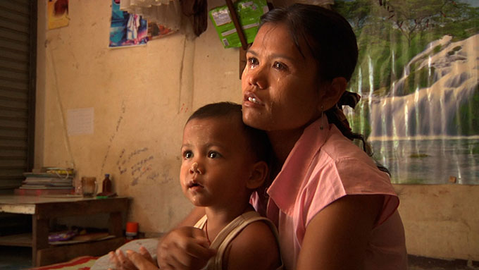 Mae Sot woman with child