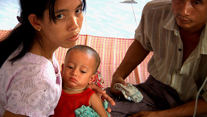 Mother and child in Mae Tao Clinic